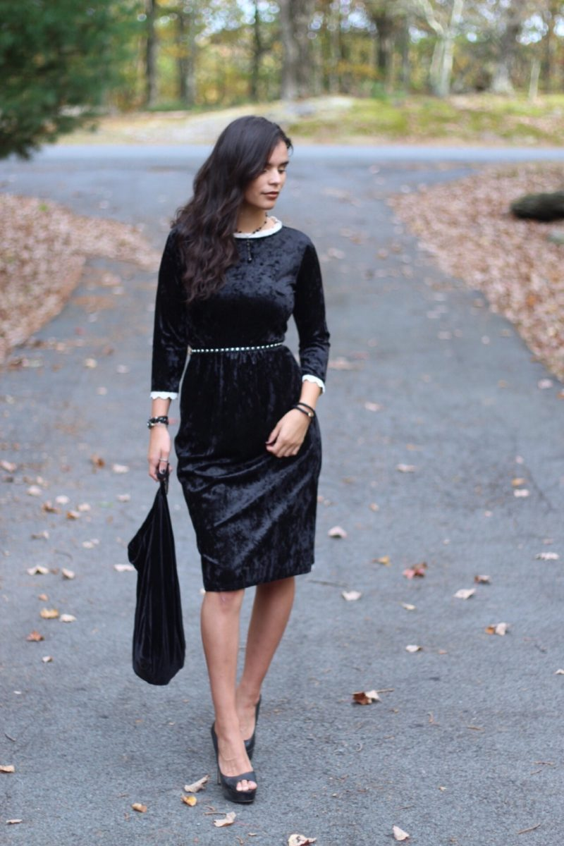 Reasons to Wear Velvet During Fall/ Winter, velvet fashion. velvet clothes, reasons to love wearing velvet